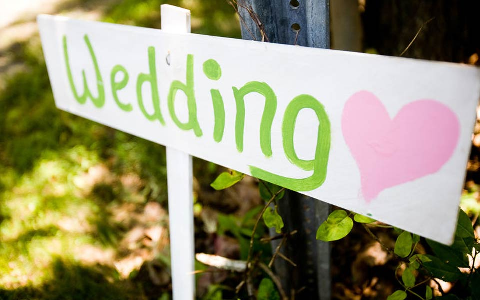 sign makers, printing, calligraphy for weddings in and around france
