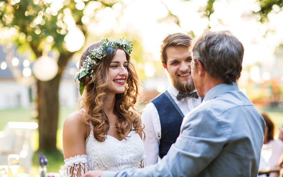 wedding celebrants for marriages in and around France