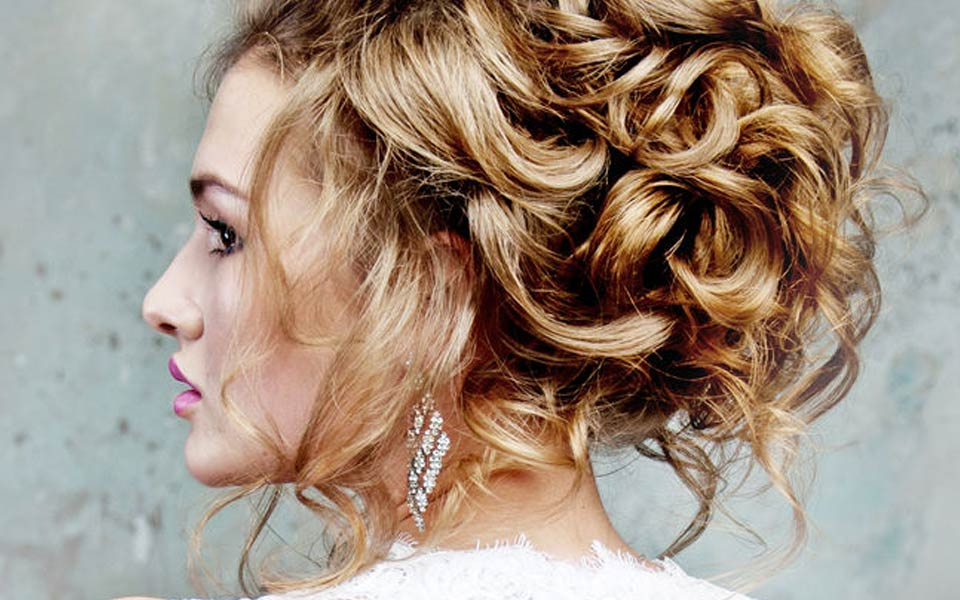 wedding hairstylists for weddings in and around France