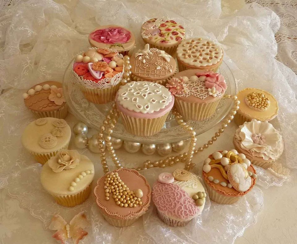 Cakes in France - Bespoke Wedding Cakes in South West France